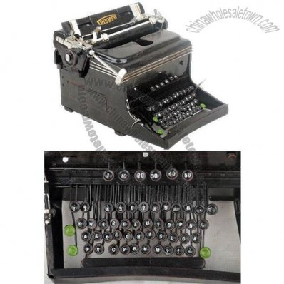 1945 Germany Triumph Typewriter 1:2-Scale