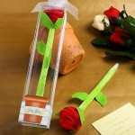 Adorable rose pen