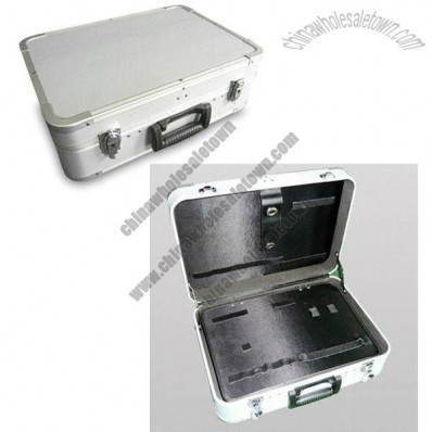 Aluminum Tool Case with Silver Diamond Pattern Surface and Black Tool Pallet in Side