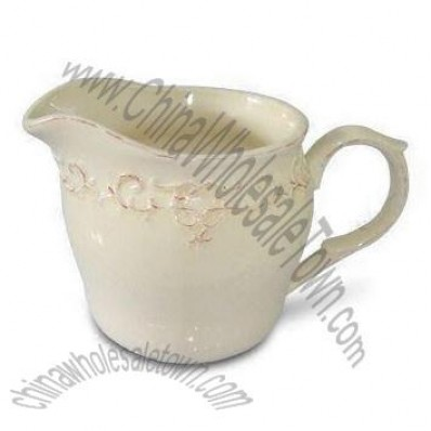 Ceramic Creamer with Antique Stylish Line Design