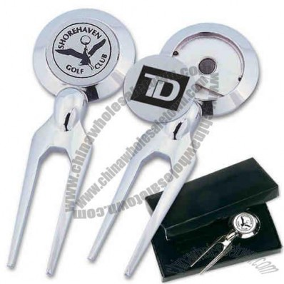 Chrome plated divot fixer with ball marker.