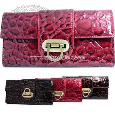 Crocodile pattern faux leather clutch wallet with flap buckle
