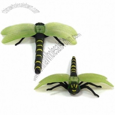 Dragonfly-shaped Plastic Craft