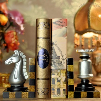 European retro chess Bookend