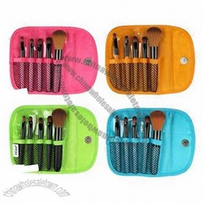 Fashion Color Shine Makeup Brushes with Goat Hair and Wooden Handle