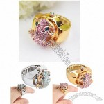 Finger Ring Quartz Watch with Frog-Shaped Rhinestones Cover Arab Numeral Markers & Stretchy Watch Band