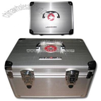 First-aid Box with Chrome-plated Plastic Handle and Aluminum Panel