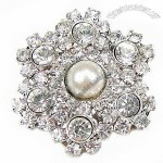 Flower-shaped Sparkly Imitation Pearl/White Stone Buckle