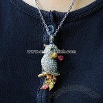 Jewel Parrot Necklace USB Flash Drive