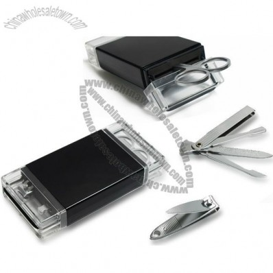 Manicure set in acrylic case