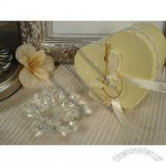 Mini crystal lilly candle holder in satin lined heart box