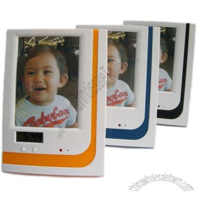 Photo Frame with Time Display
