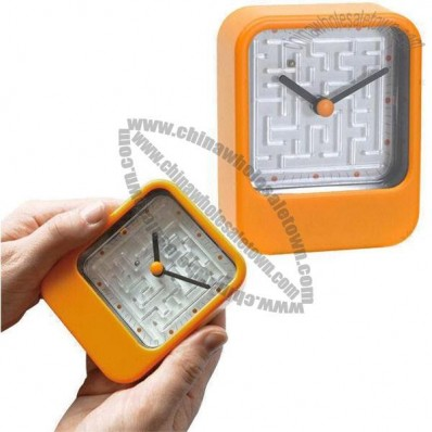 Quartz Analog Clock with Maze