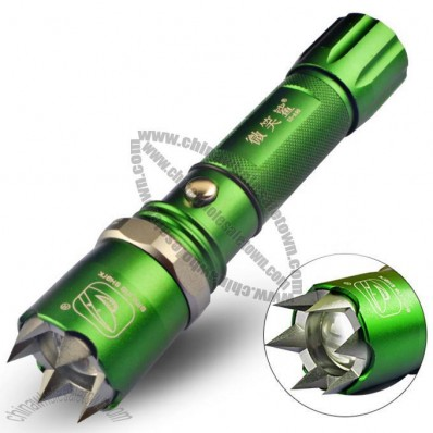 Rechargeable Aluminum Focus LED Flashlight with Attack Head