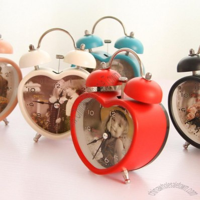 Retro Heart Sonorous Alarm Clock