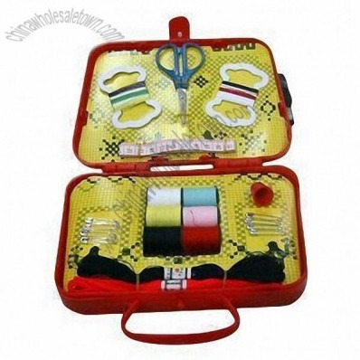 Simple Portable Box Design for Useful Travel Sewing Kit, Includes Pins, Small Scissor, Thimble etc