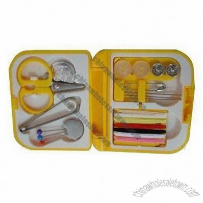 Simple and Portable Mini Box Shape Sewing Kits