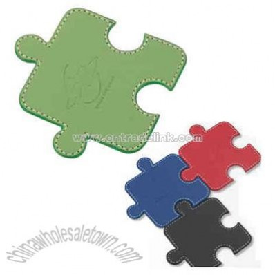 Single connectible puzzle shape leatherette coaster set