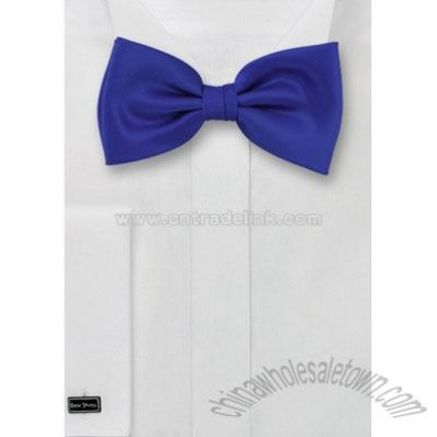 Solid color bow tie in Royal blue color
