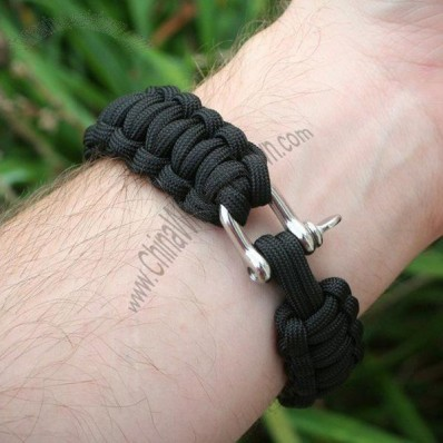 Survival 550 Paracord Bracelet with U Shaped Stainless Shackle