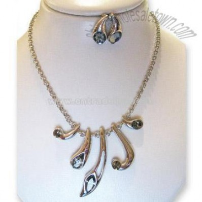 Tears Necklace Earrings Set