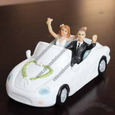 Wedding Car And Resin Doll Gift